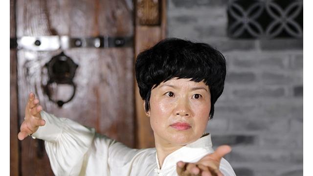 太极战疫情 侠女展拳姿——记太极拳师王瑞