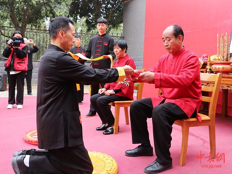 尊师重道 衣钵相传·陈照森大师收徒仪式于陈家沟隆重举行